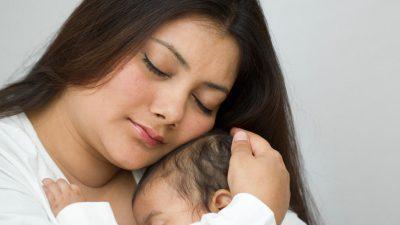 Biz Zekiye Ve Mustafa Çetin  çifti Çiderle bebeklerini sevdiler.