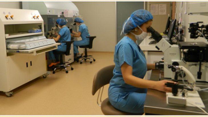 Laboratuarda Embriyolar için hangi özellikte kabinler ve sıvılar kullanılıyor?