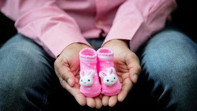 Tüp Bebek tedavisine devam edenler ; Sperm sorunu var mücadele devam ediyor